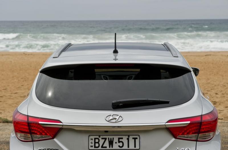 Заднее стекло с дворником Hyundai i40 универсал